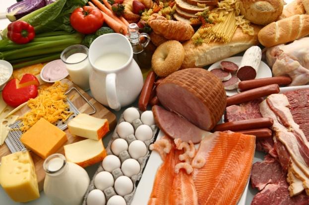 Cung cấp thực phẩm chứa chất béo cho trẻ