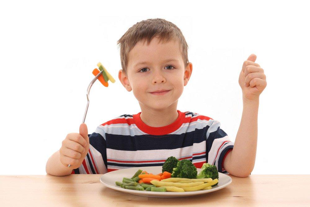 Cung cấp đủ chế độ dinh dưỡng cho trẻ