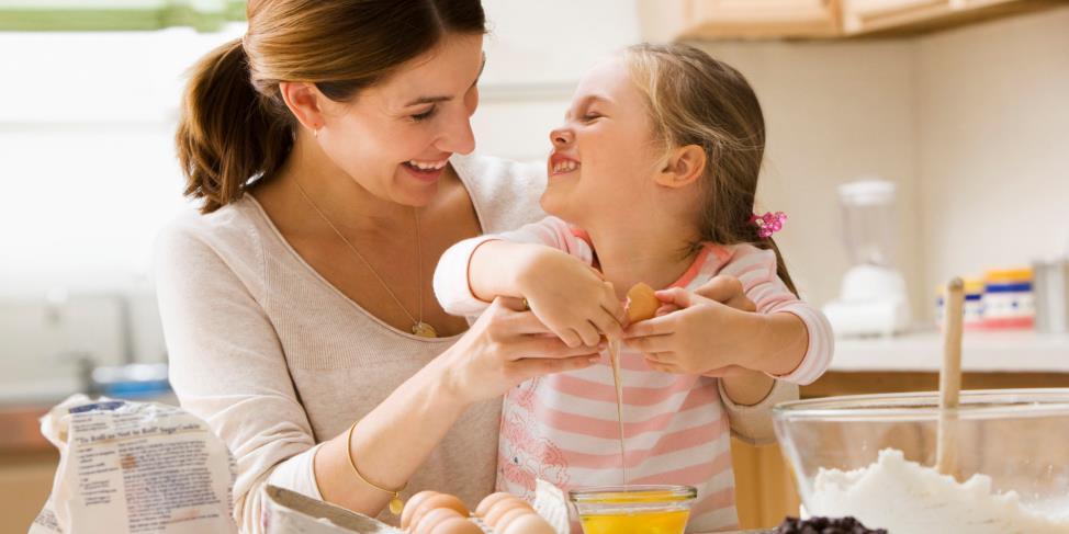 Bé Nấu Ăn - Cùng Bé Vào Bếp Theo Độ Tuổi | Nutifood.com.vn