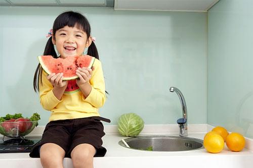 Cung cấp chất dinh dưỡng từ rau củ cho bé