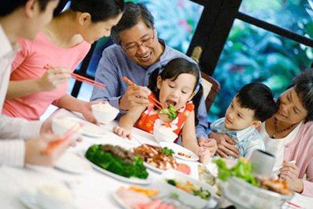 Trẻ nhỏ cần được cung cấp đủ chất dinh dưỡng