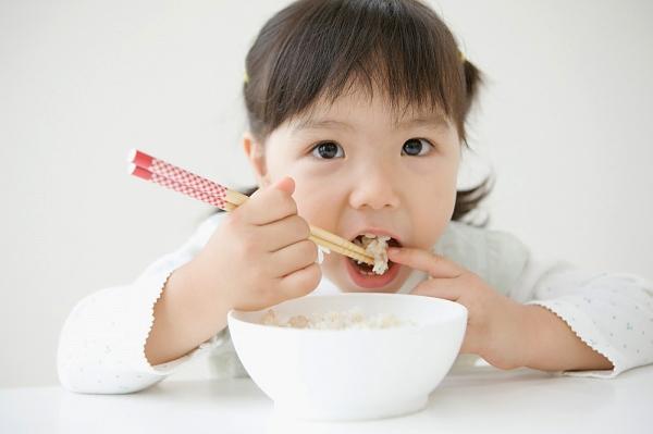dinh dưỡng cho bé phát triển
