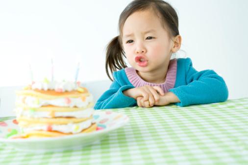 Những món đồ ngọt trở nên hấp dẫn vô cùng với trẻ
