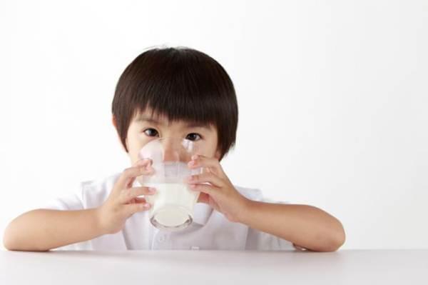 trẻ suy dinh dưỡng uống sữa gì