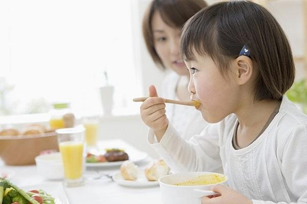 cách tăng cân cho bé