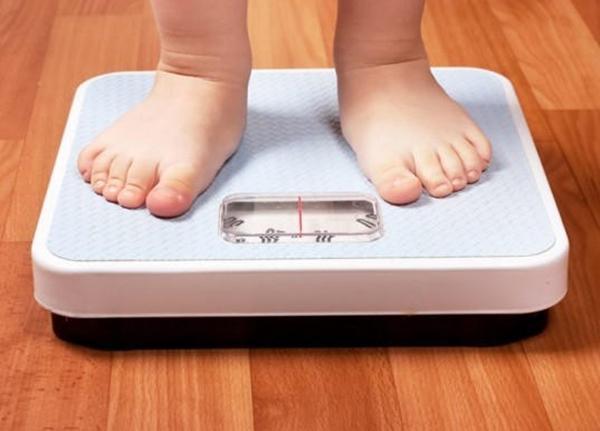 bé chậm tăng cân