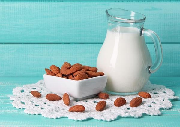 Chọn sữa cho bé trên 1 tuổi tăng cân khỏe mạnh