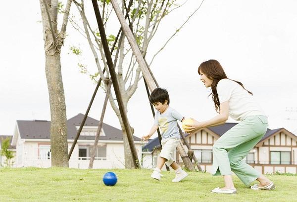 Vận động giúp trẻ phát triển toàn diện