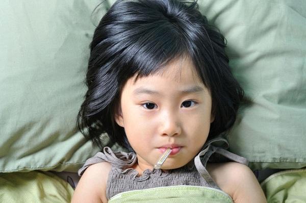 Trẻ suy dinh dưỡng do bị bệnh kéo dài