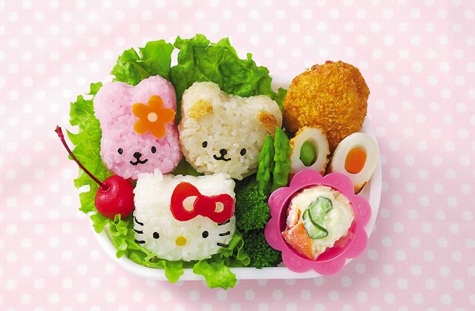 Cơm hình thỏ, gấu, mèo rất được các bé yêu thích