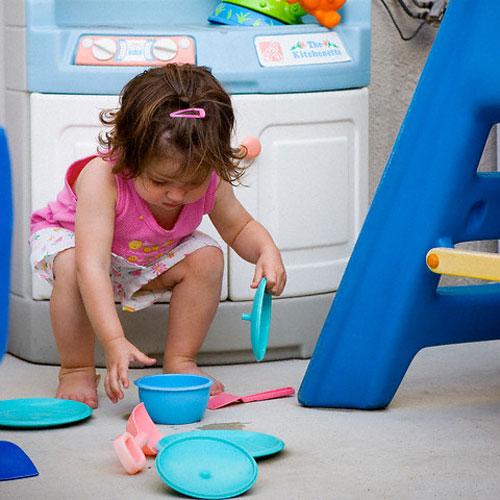 Hướng dẫn cụ thể những việc bé cần làm sẽ giúp bé hoàn thành tốt hơn