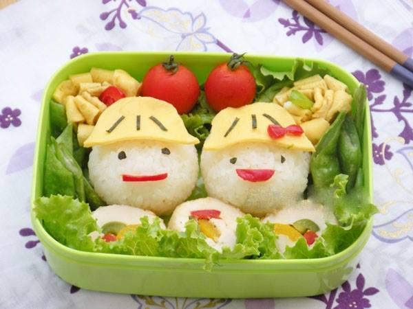 Phần cơm được trang trí vui nhộn