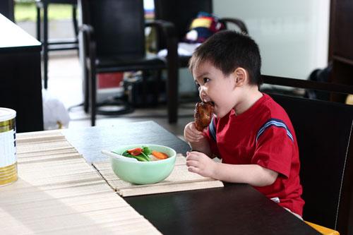 dinh dưỡng cho bé suy dinh dưỡng
