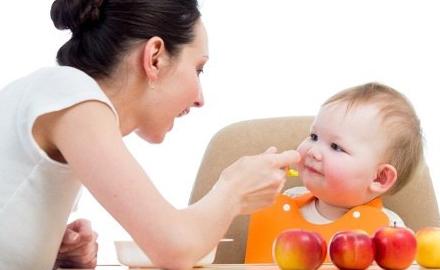 Chế độ ăn cho bé suy dinh dưỡng